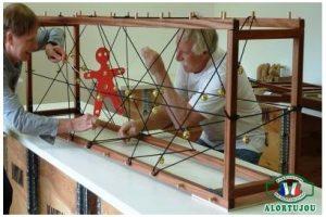 Cage à grelots coopérative